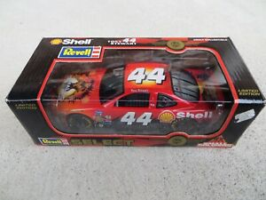 Tony Stewart #44 Small Soldiers Revell Select 1998 NASCAR 1:24 Scale Diecast