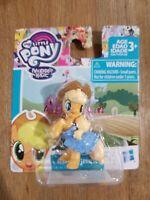 My Little Pony Friendship is Magic Hasbro Mini Figure Toy Applejack Cowgirl 3+