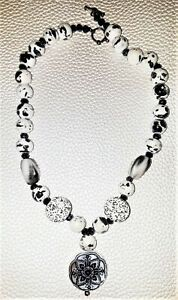"""Beautiful black & white beaded Necklace  mother of pearl pearl  18"""" Toggle clasp"""