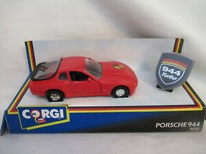 CORGI PORSCHE 944 No. 94150 WITH BADGE