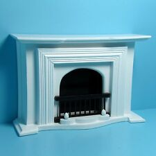 Dollhouse Miniature Standard Fireplace in Wood  (White) ~ T5001