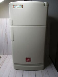 Vintage Step 2 Pretend Play Kitchen Refrigerator Fridge Child Size Toddler Rare