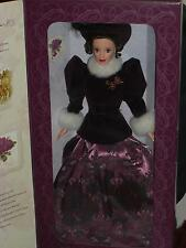 1996 HOLIDAY TRADITIONS HALLMARK BARBIE!! BEAUTIFUL!!