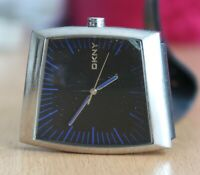 DKNY NY-1152 gentleman's quartz watch rectangle 36mm black dial blue hour marker