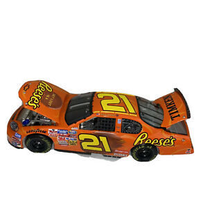 Kevin Harvick #21 Reese's 2004 Monte Carlo 1:24 Scale Car Action NASCAR