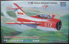 TRUMPETER 02203 - The Pla Air Force FT-5 Training - 1:32 Flugzeug Modellbausatz