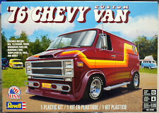 Revell 4490 1976 Chevrolet Custom Van 1:25