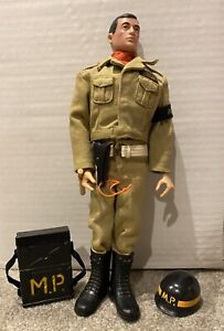 Vintage Hasbro G.I. Joe 1967 Tan Airborne M.P. Set In Nice Condition.