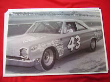 1967 PLYMOUTH RICHARD PETTY # 43   11 X 17  PHOTO   PICTURE