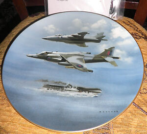COALPORT COLLECTORS PLATE - 'THE HARRIER PLATE with CERTIFICATE LIMITED EDITION
