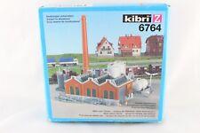 Kibri 6764 Kit Construcción shedhalle con chimenea y TANKLAGER ESCALA Z+