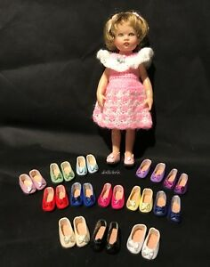 Doll Shoes 1 Pair Size 7 Style 299 Black Slip On with Bow on the Toe Tallina/'s