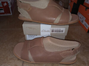 NEW $54 Womens Clarks Sultana Rayne Sandals, size 8.5           shoes