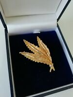 Vintage Retro Gold Tone Textured Leaf Leaves Brooch Pin Lapel Classic Bunch