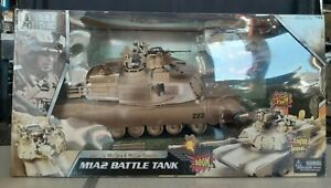 Blue Box 1:18 Scale Elite Force M1A2 Battle Tank with Shells & Battle Sounds