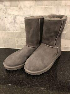 Women's UGG Classic Short II Gray Boots- size 10- #1016223