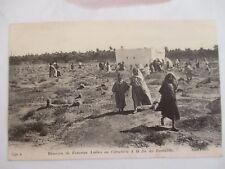CPA SCÈNES ET TYPES TUNISIE Réunion de Femmes au cimetière à la fin du Ramadan
