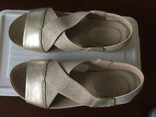 Easy Spirit Women sandals  size 5.5