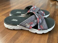 Womens Size 7 Skechers Yoga Sandals Gray Pink