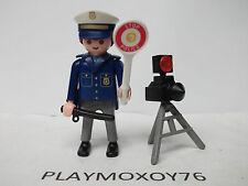 PLAYMOBIL. TIENDA PLAYMOXOY76.  FIGURA DE POLICÍA CON RADAR.