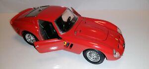 FERRARI GTO 1962 BURAGO SCALA 1:18 NO BOX