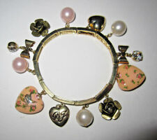 BETSEY JOHNSON RARE TEA PARTY WITH HEART CHARMS STRETCH BRACELET