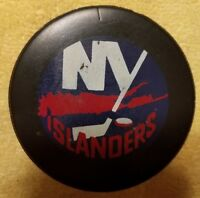 NEW YORK NY ISLANDERS VINTAGE 1985-92 NHL SHIELD INGLASCO  HOCKEY PUCK canada