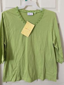 DENIM & CO. NWT 1X Jersey V-Neck w Crochet Trim Stretch Top Spring Green