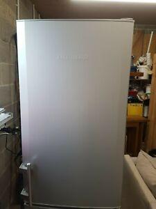 liebherr fridge freezer 55cm wide silver working order