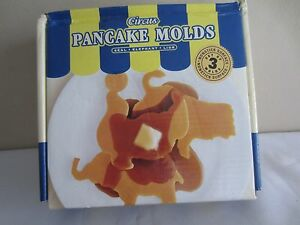 2003 Williams Sonoma Circus Pancake Molds Rings Seal Elephant Lion w/ Box Recipe