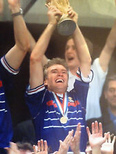 DIDIERS DESCHAMPS - FRENCH WORLD CUP WINNING CAPTAIN - BRILLIANT COLOUR PHOTO