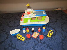 Vtg Fisher Price Little People play family House Boat 985 C grill boat dog mom