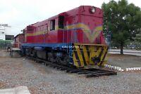 B492 35mm Slide Ecuador G&Q Diesel Loco @ Duran (2)