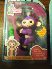 Fingerlings Purple Baby Monkey W/ Stand~Mia~2016 Nib~W/Stand~Batteries Inc