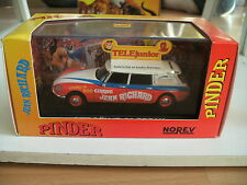 """Norev Citroen ID / ds 21 Break """"Circus Pinder"""" in Red/White on 1:43 in Box"""