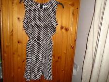 Black + beige zig zag pattern dress, cut out waist, GLAMOROUS size 8-10 see desc