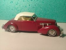 Voiture Miniature MatchBox  « Cord 812 Cabriolet - 1937 » N°YY-18