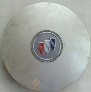 Buick LeSabre Center Cap   Part # 9592738