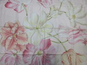 Authentic Salvatore Ferragamo Scarf 100% Silk Flower Motif Pink Good 94795