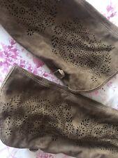 579ee23d6629d Stivali e stivaletti da donna Bata in camoscio