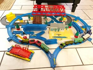 THOMAS and friends TRAIN TOMY BLUE TRACK LOT SWITCHES Trackmaster Station