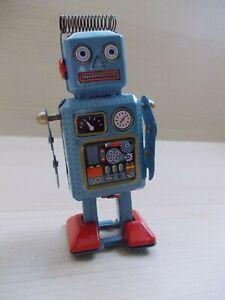 Collectable Wind Up Clockwork Tin Robot MS294 BNIB