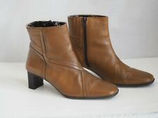 Clarks Boots 5.5 Brown Cushion Soft