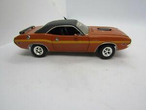 Johnny Lightning 1970 Dodge Challenger Hemi Scale Car Free Shipping