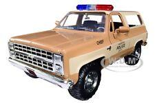 """HOPPER'S CHEVROLET BLAZER W/POLICE BADGE """"STRANGER THINGS"""" 1/24 CAR JADA 31111"""