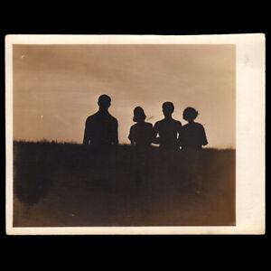 STUNNING FAMILY DRAMA GHOST SILHOUETTE HORROR HORIZON ~ 1930s VINTAGE PHOTO