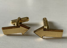 RARE & VINTAGE GOLD PLATED PERFUME DESIGNER JEAN PATOU ARROW CUFFLINKS SIGNED