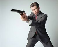 Pierce Brosnan James Bond 007 PPK Pose 10x8 Photo