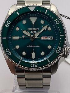 Seiko 5 Sports Men's Auto Green Dial Stainless-Steel bracelet Watch SRPD61K1