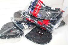 Stock di cappellini beanie, scaldacollo, sciarpe e guanti